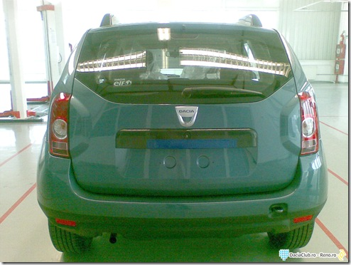 Dacia SUV back