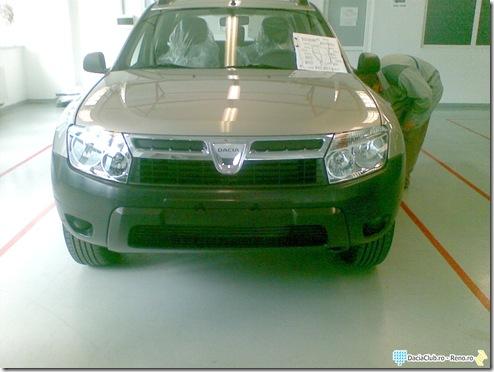 Dacia SUV front
