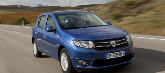 Dacia-Sandero-Automatic-2016_thumb.jpg